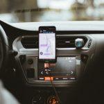 Vozač koji može raditi i na jednoj i drugoj usluzi zbog čega je teško doneti odluku šta je bolje - CarGo ili taxi